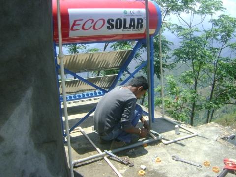 Solar geïnstalleerd in het Kamalabari center!