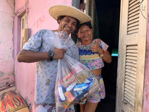 Noodactie voor Aloha: 'Cestas Basicas'